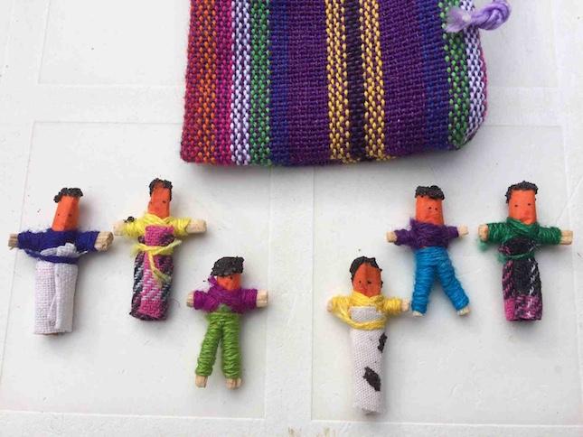 Offrez des poupées anti tracas du Guatemala